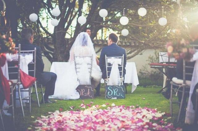 Wedding Rose Petal Ideas